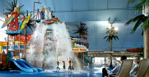 Splash and Stay Waterpark Package | Marriott Niagara Falls Hotels